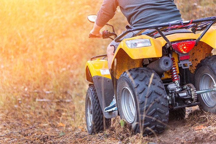 Aprenda la mejor manera de preparar y almacenar un ATV.