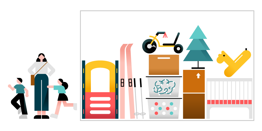 Artículos típicos en una unidad de almacenamiento mediana, como por ejemplo esquís, contenedores de almacenamiento, un árbol de Navidad y juguetes.
