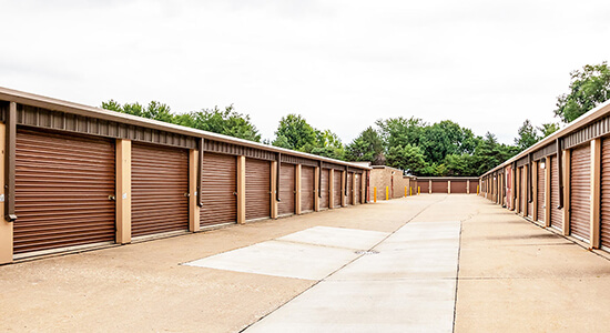 Drive Up Self Storage Units Near Douglas Ave In Urbandale, IA