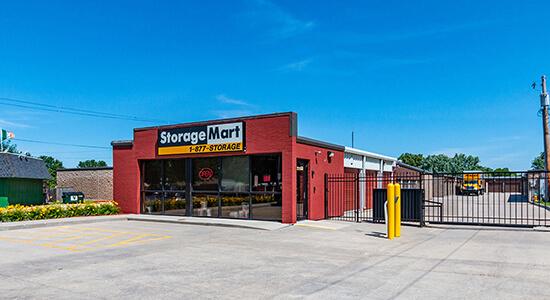 StorageMart - Self Storage Units Near Hickman Rd & 68th St In Windsor Heights, IA
