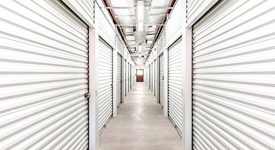 StorageMart - Almacenamiento Cerca De 13th & Railroad Ave En West Des Moines,Iowa
