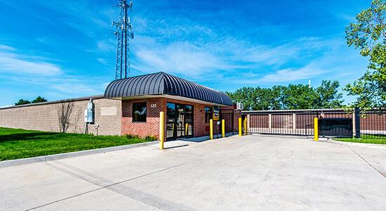 StorageMart Gated Access- Self Storage Near 13th & Railroad Ave in West Des Moines,Iowa