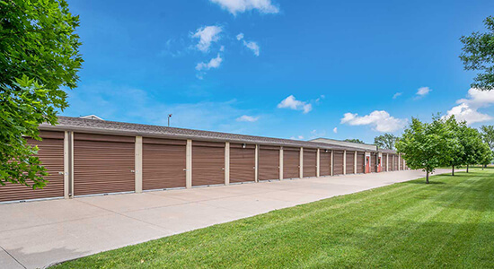 StorageMart Drive Up Units- Self Storage Near SE Delaware & SE 3rd St In Ankeny, IA