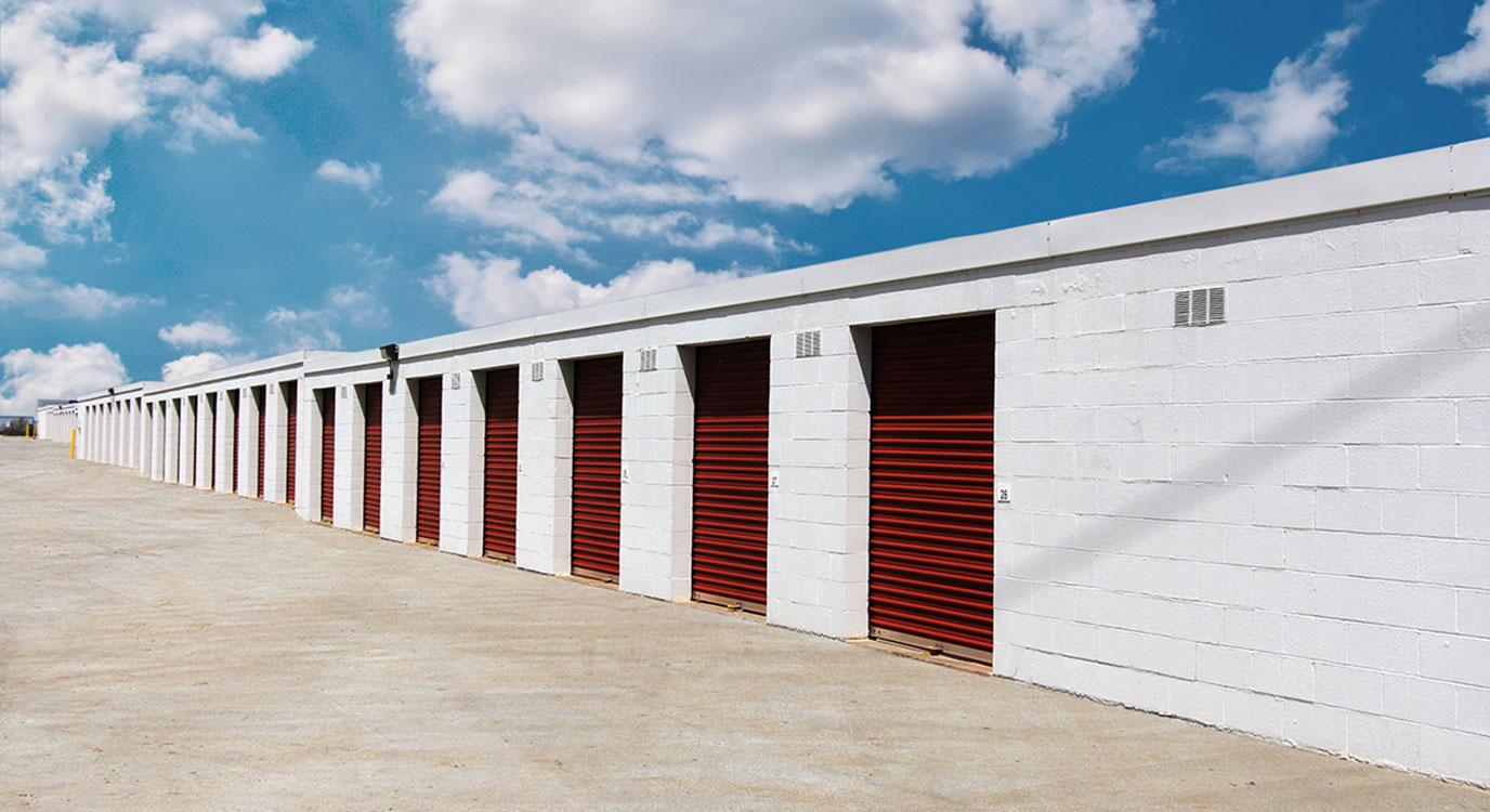StorageMart Exterior View - Self Storage Units Near Paris Road & Vandiver In Columbia, MO