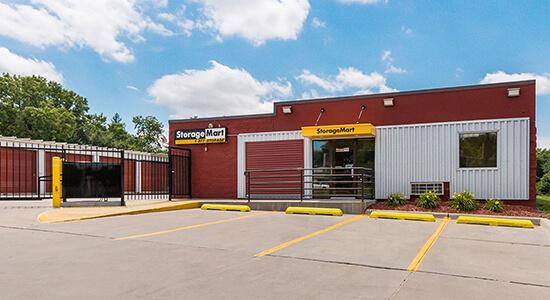 StorageMart - Almacenamiento Cerca De SE 14th St & Bell Ave En Des Moines,Iowa