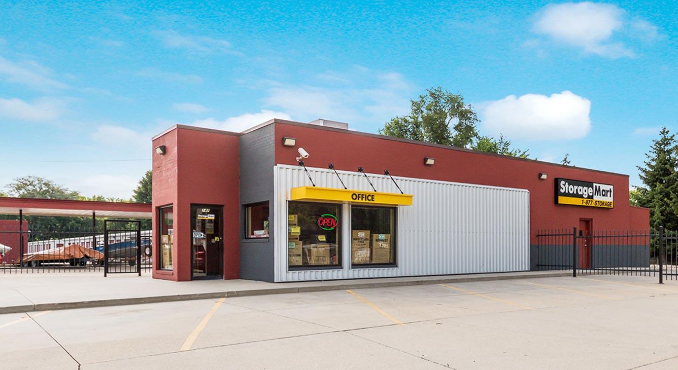 StorageMart - Almacenamiento Cerca De SW 63rd St & Vine En Des Moines,Iowa