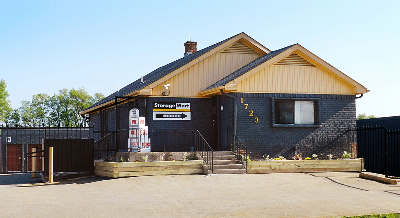 StorageMart - Almacenamiento Cerca De Glennstone & Florida En Springfield,Missouri