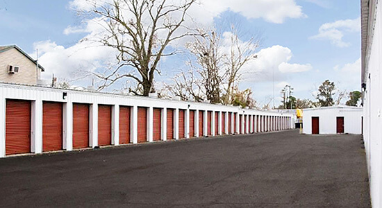 StorageMart Drive Up- Self Storage Units Near I-10 and Shattuck In Lake Charles, LA