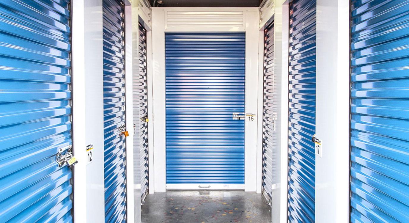 StorageMart - Almacenamiento Cerca De 169 Hwy & NE Cookingham En Kansas City,Missouri