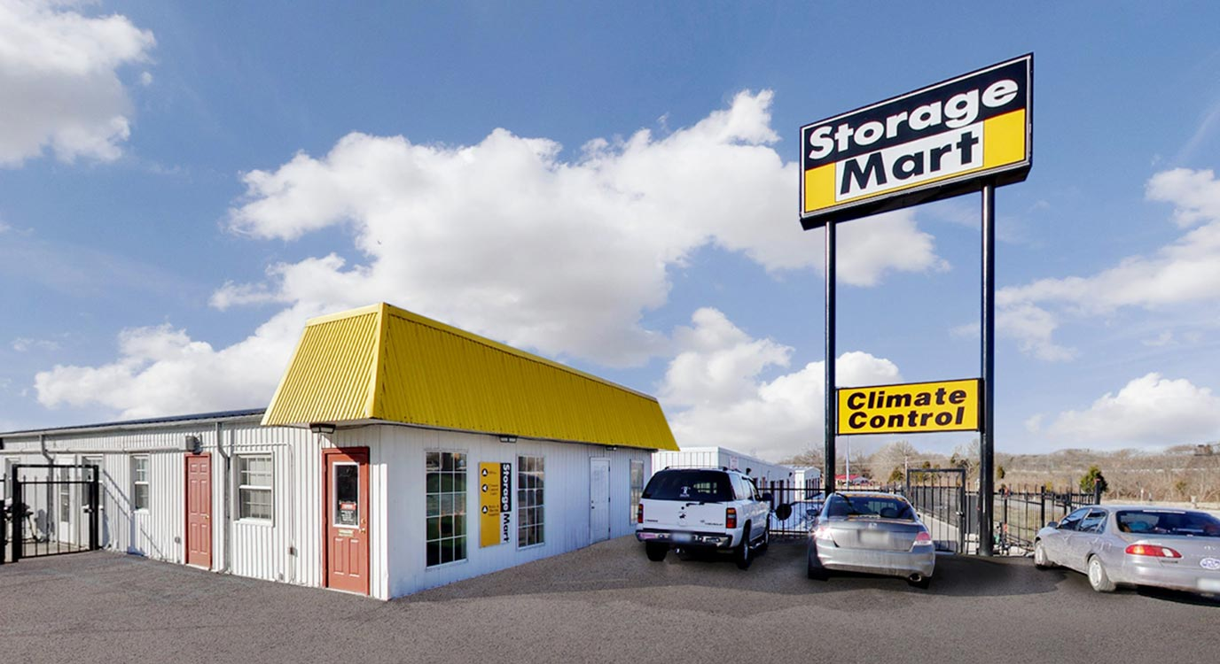 StorageMart - Self Storage Units Near I-64 & 127 Hwy South at Harrodswoods Rd In Frankfort, KY