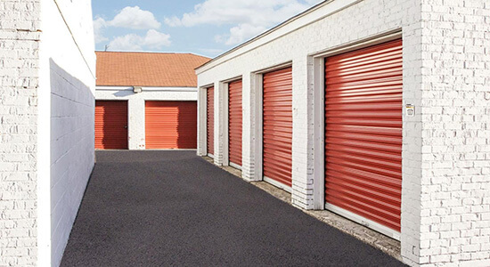 StorageMart Drive Up Unit- Self Storage Units Near Winchester & East 3rd Street In Lexington, KY