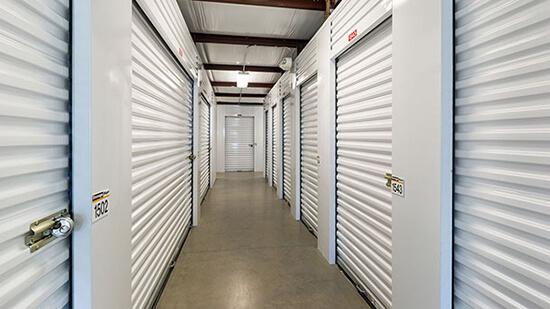StorageMart - Almacenamiento Cerca De On Cornhusker Hwy / Grand Army of the Republic Hwy En Lincoln,Nebraska