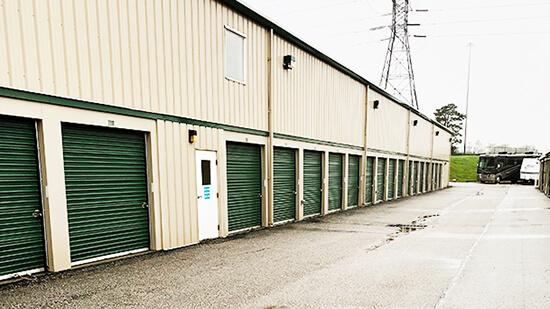 StorageMart Drive Up Units- Self Storage Units At North 102nd St, Omaha NE