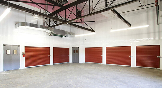 StorageMart Loading Bay - Self Storage Units Near Broadway & 34th In Kansas City, MO
