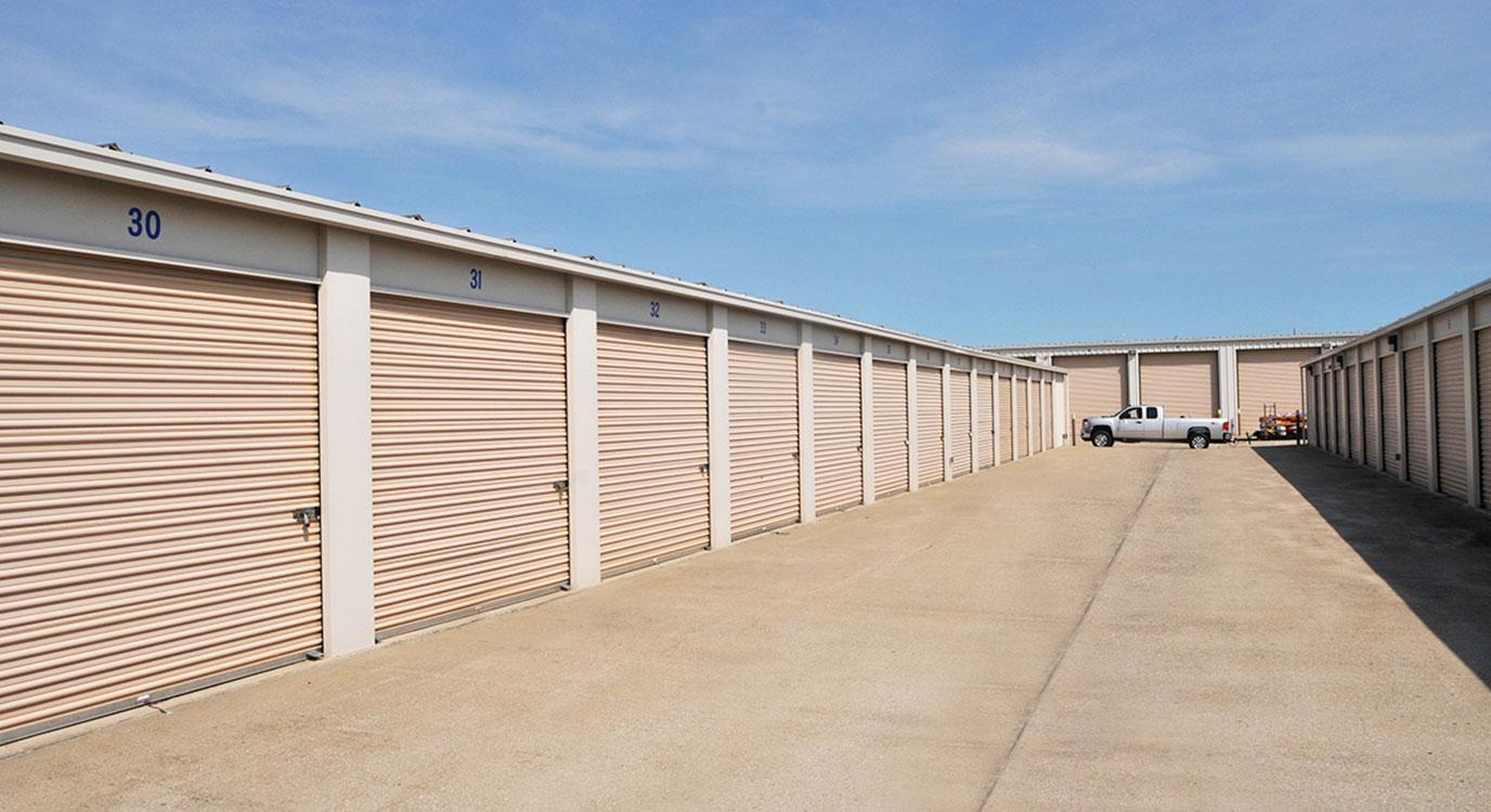 StorageMart - Almacenamiento Cerca De Hwy 150 & Hwy 291 En Lee's Summit,Missouri