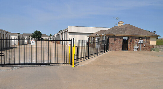 StorageMart Gated Access- Self Storage Units Near Hwy 150 & Hwy 291 In Lee's Summit, MO