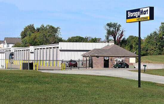 StorageMart - Self Storage Units Near Hwy 150 & Hwy 291 In Lee's Summit, MO