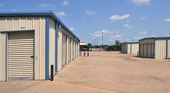 StorageMart - Self Storage Units Near E 25th St & Hub Dr In Independence, MO