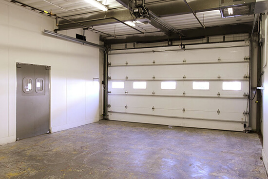 StorageMart Loading Bay - Self Storage Units Near 95th & I-435 In Lenexa, KS