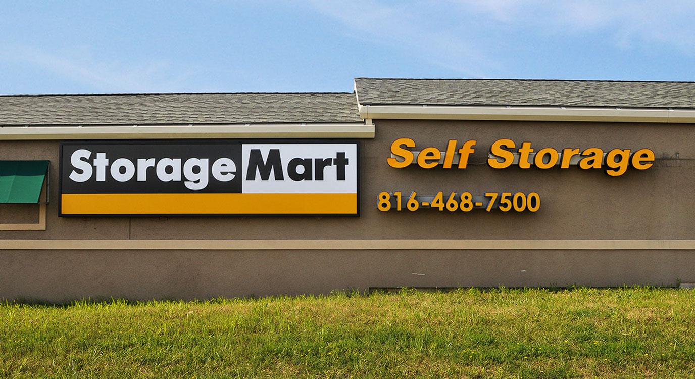 StorageMart - Self Storage Units Near N Oak Tafficway & NE 93rd Street In Kansas City, MO