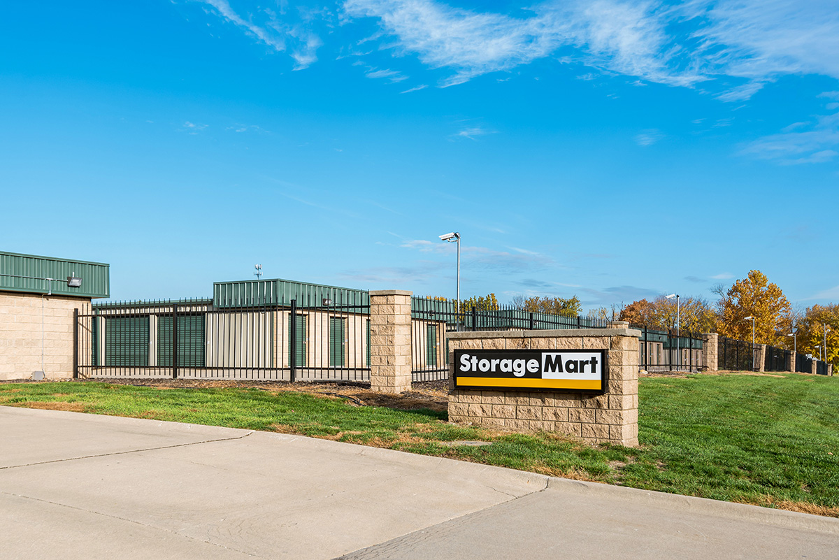 StorageMart - Self Storage Units Near Holmes Road & E 137th Street In Kansas City, MO