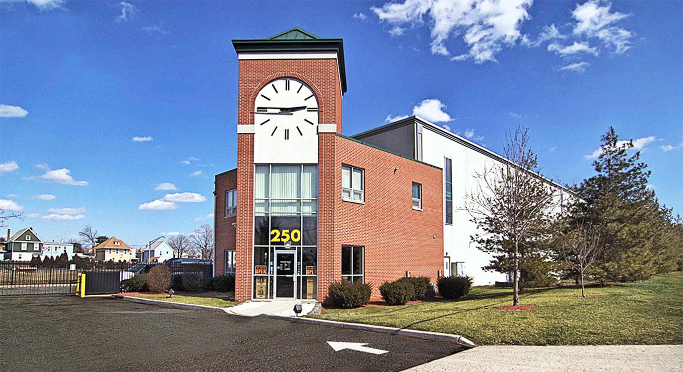 StorageMart - Self Storage Units Near Rt 3 & Paterson Plank Rd In Secaucus, NJ