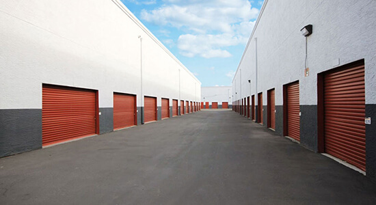 StorageMart Drive Up Units- Self Storage Units Near Monterey and Cochran In Morgan Hill, CA