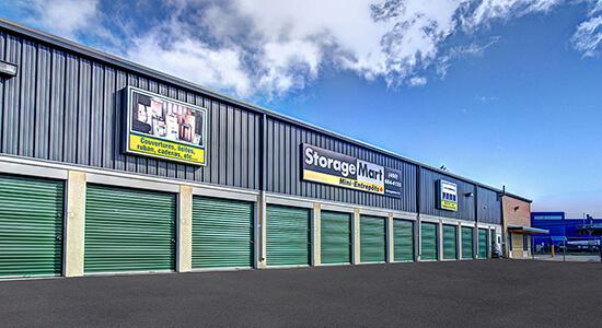StorageMart Drive Up - Self Storage Units Near Montee-Masson In Laval, QC