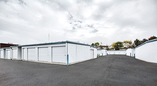 StorageMart Drive Up - Self Storage Units Near Commisioners Rd & Wharncliffe In London, ON