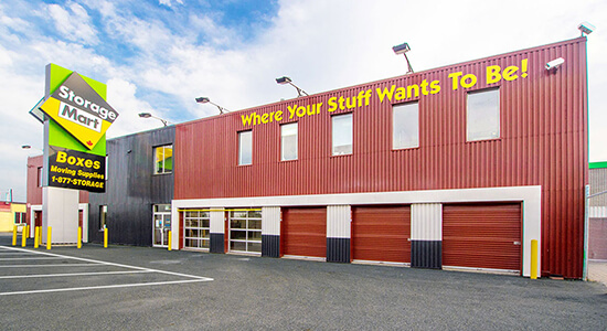 StorageMart Loading Bay - Self Storage Units Near Evans Ave & The East Mall In Etobicoke, ON