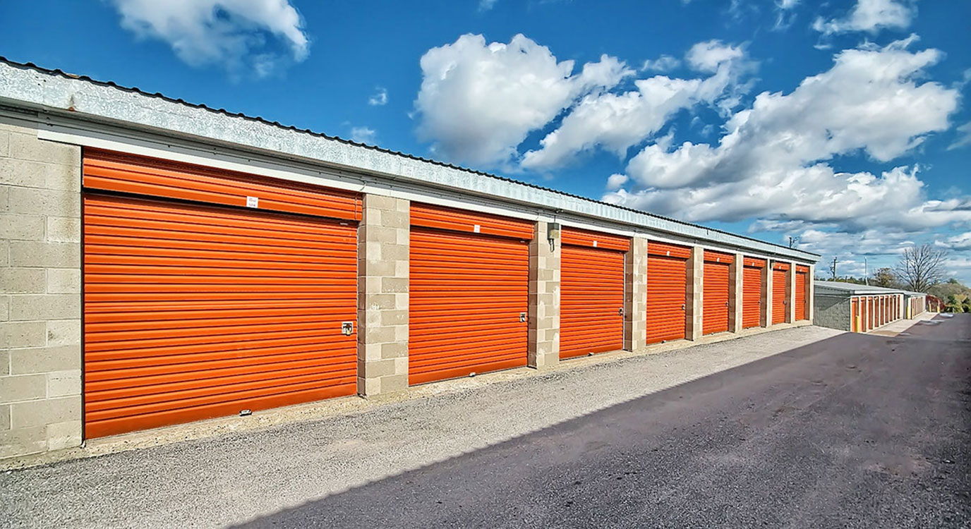 StorageMart - Self Storage Units Near Hwy 400 & Innisfil Beach Rd In Innisfil, ON