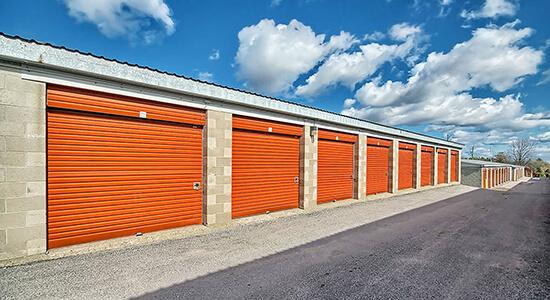 StorageMart Drive Up- Self Storage Units Near Hwy 400 & Innisfil Beach Rd In Innisfil, ON