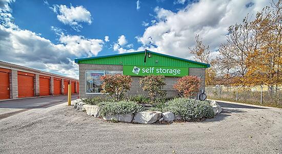 StorageMart - Self Storage Units Near Hwy 400 & Innisfil Beach Rd In Innisfil, ON
