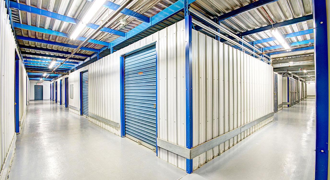 StorageMart - Self Storage Units Near rue Jacquard in Quebec City, QC