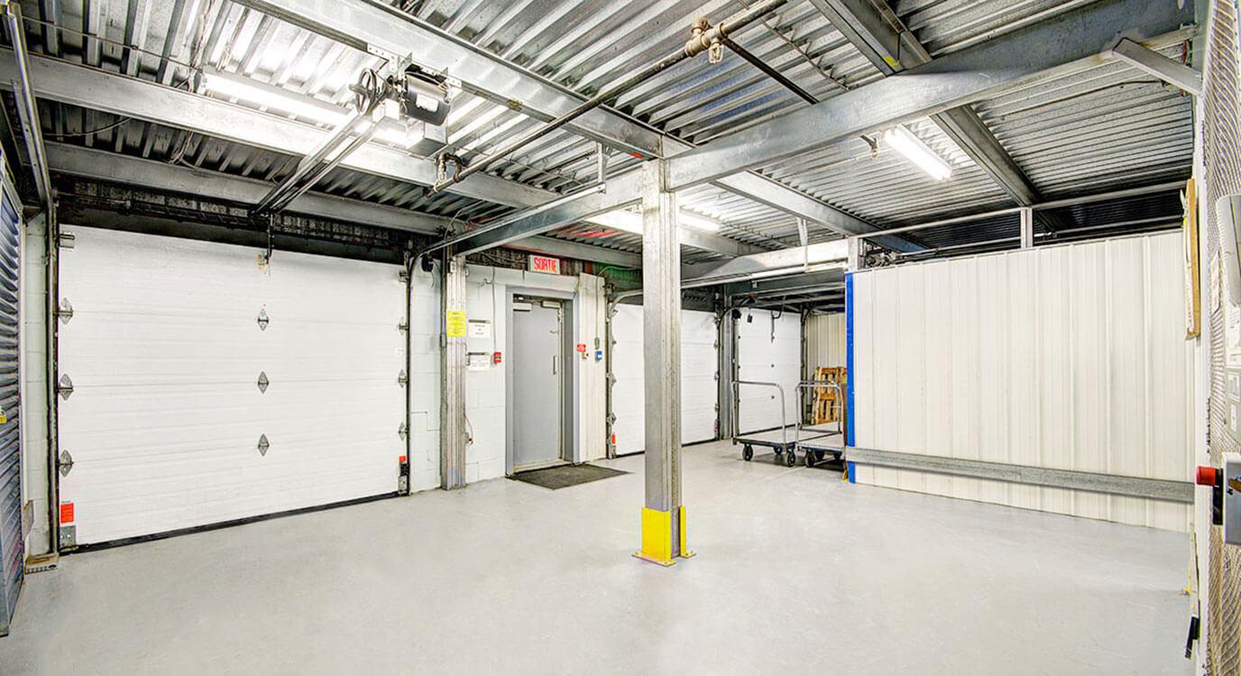 StorageMart - Unités de libre entreposage à proximité de Rue Pascal Gagnon à Saint-Leonard, QC