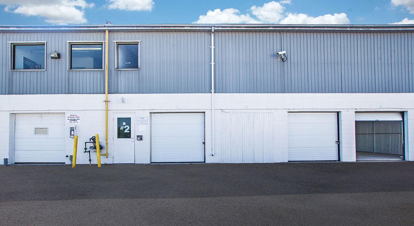 storagemart-3014-tretheway-drive-north-york-drive-up