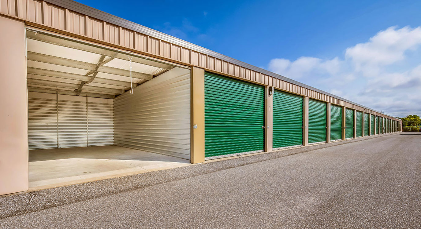 StorageMart - Self Storage Units Near Hwy 26 & Pretty River Pkwy In Collingwood, ON