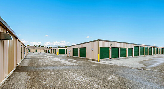 StorageMart Drive up- Self Storage Units Near Hwy 26 & Pretty River Pkwy In Collingwood, ON