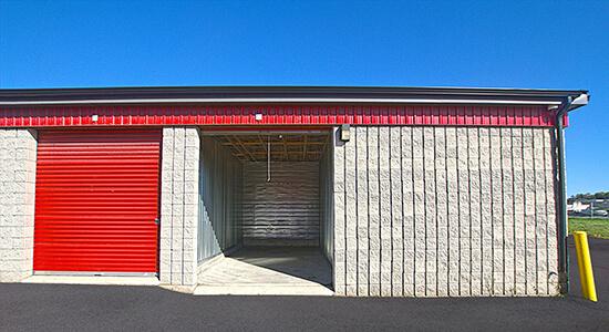 StorageMart Drive Up- Self Storage Units Near Arrow Road in North York, ON