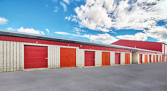 StorageMart Drive Up - Self Storage Units Near Keele Street in Maple, ON