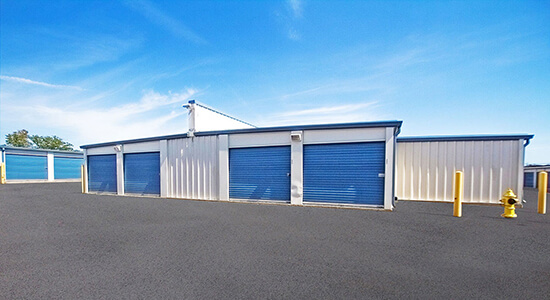 StorageMart Drive Up Storage Units Near Sheppard Avenue East in Scarborough, ON