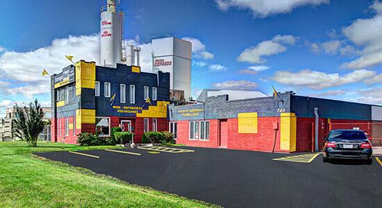 StorageMart - Unités de libre entreposage à proximité de Boul Saint-Martin O à Laval, QC