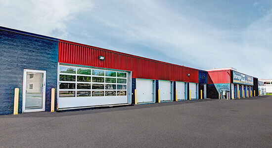 StorageMart Exterior units- Self Storage Units Near Rue Pascal Gagnon in Saint-Leonard, QC