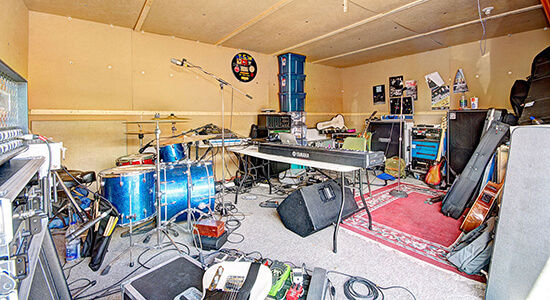 StorageMart Band Practice Space- Self Storage Units Near Clemenceau St in Quebec City, QC