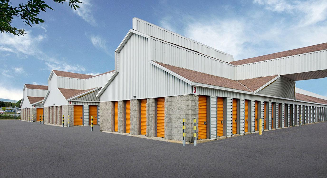StorageMart - Self Storage Units Near Clemenceau St in Quebec City, QC