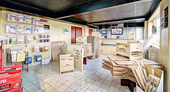 StorageMart - Unités de libre entreposage à proximité de rue Clemenceau à Québec, QC