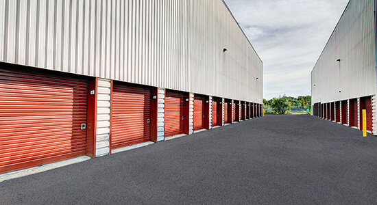 StorageMart Drive Up - Self Storage Units Near Sir Wilfrid Laurier Blvd in St Hubert, QC