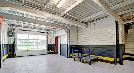 StorageMart Loading Bay - Self Storage Units Near Sir Wilfrid Laurier Blvd in St Hubert, QC
