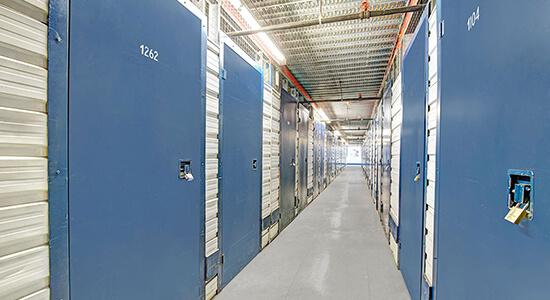 StorageMart - Unités de libre entreposage à proximité de rue du shannon à Montréal, QC