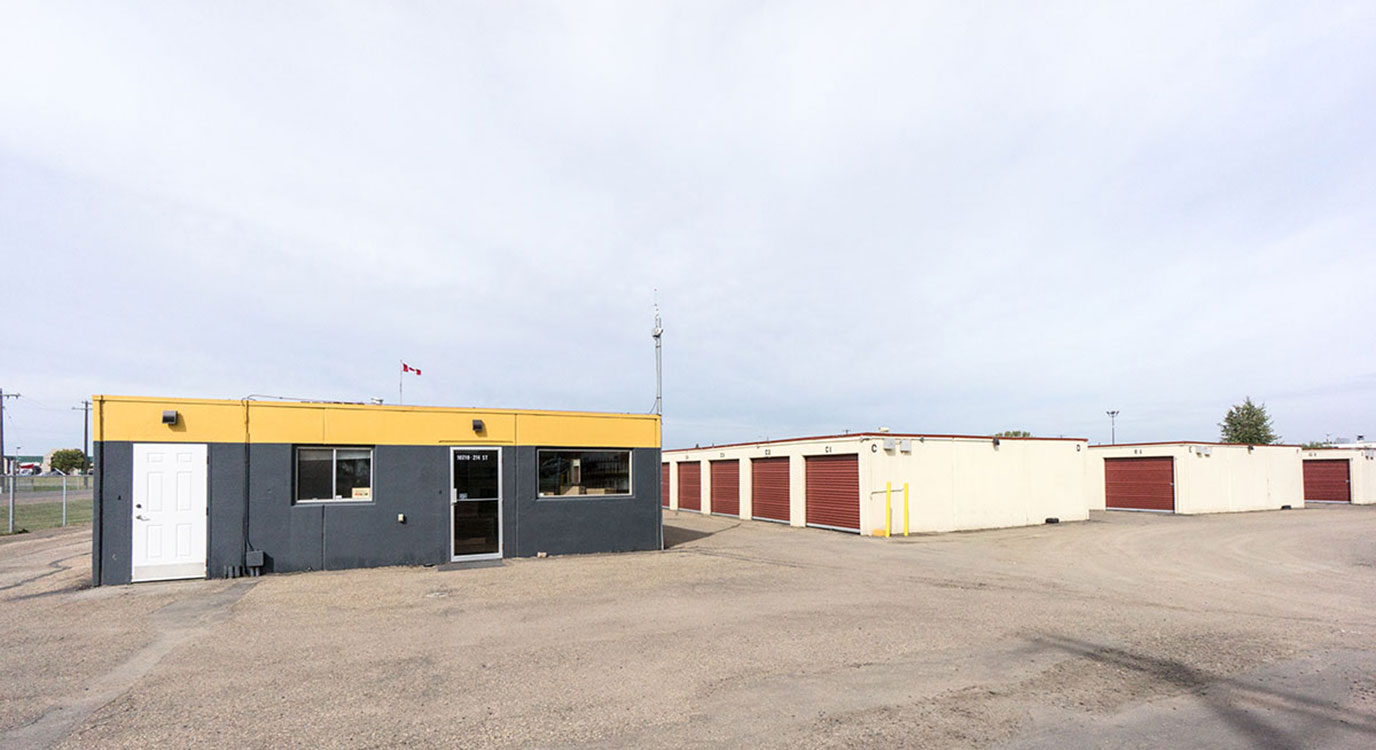 StorageMart - Self Storage Units Near Yellowhead Hwy & Winterburn In Edmonton, AB